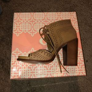 Gianni Bini Shoes